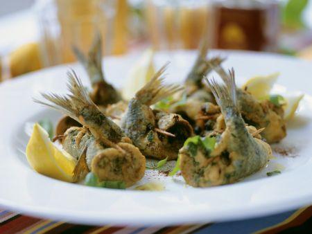 Frittierte Sardinen mit Würzpaste (Chermula)