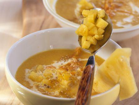 Fruchtige Karotten-Ingwer-Suppe mit Sesam