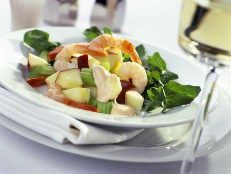 Rezept: Fruchtiger Kressesalat mit Garnelen