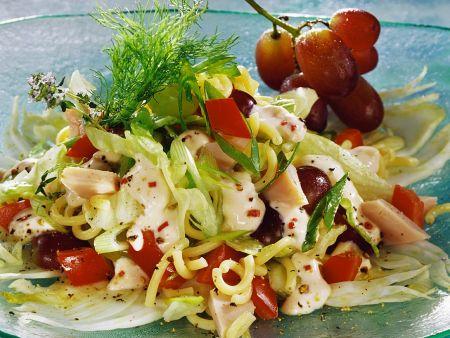 Fruchtiger Nudel-Hähnchensalat