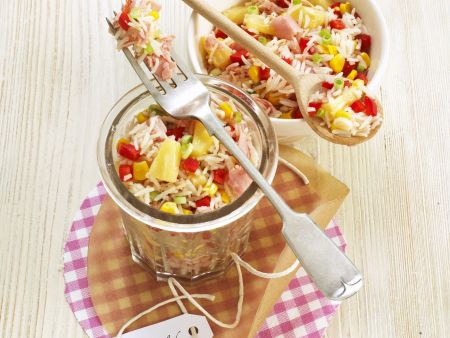 Fruchtiger Reissalat mit Schinken