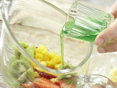 Früchte-Bowle: Zubereitungsschritt 4