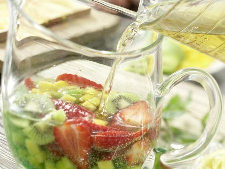 Früchte-Bowle: Zubereitungsschritt 5