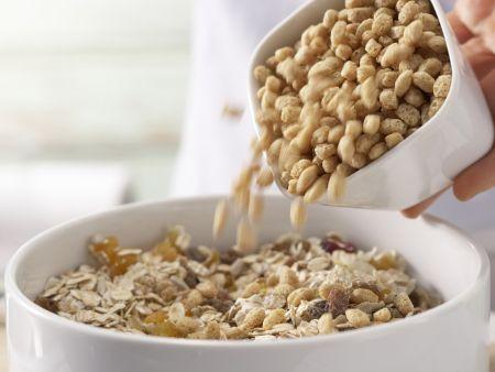 Früchtemüsli-Riegel: Zubereitungsschritt 1