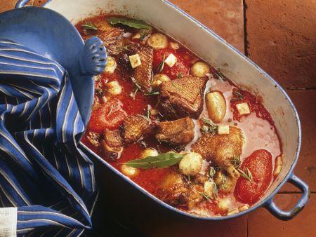 Gänsefleisch mit Tomatensoße