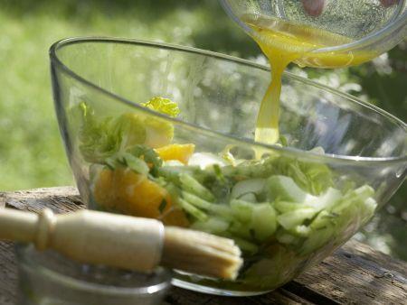 Garnelen auf Gurken-Orangen-Salat: Zubereitungsschritt 9
