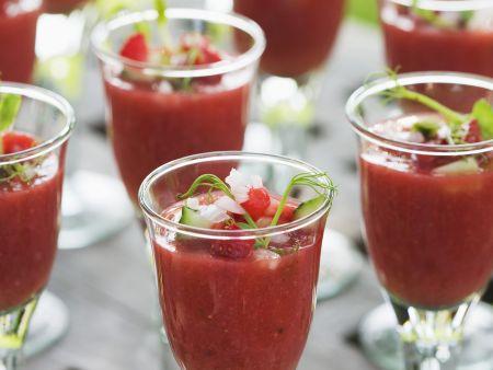 Gazpacho von Erdbeere und Gurke