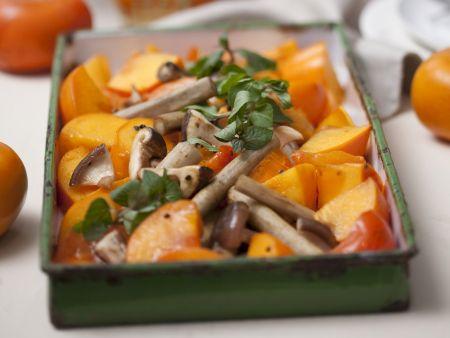 Gebackene Kaki mit Pilzen und Schwarzwurzel