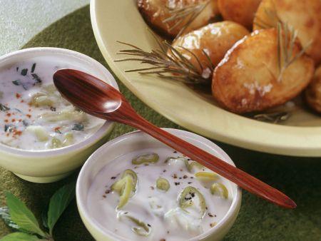 Gebackene Kartoffeln mit zweierlei Joghurt (Peperoni, Gurke)