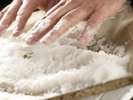 Gebackene Lachsforelle: Zubereitungsschritt 5
