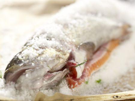 Gebackene Lachsforelle: Zubereitungsschritt 8