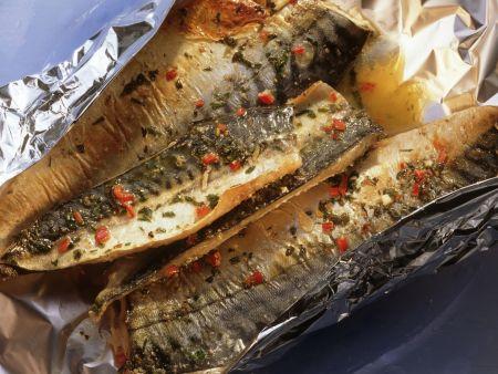 Gebackene Makrele in Folie