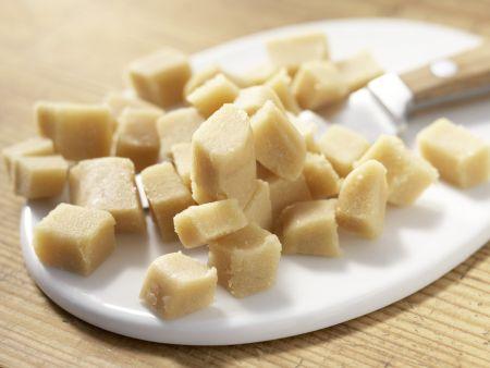Gebackene Marzipan-Ostereier: Zubereitungsschritt 1