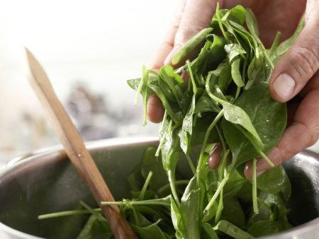 Gebackene Spinatnester: Zubereitungsschritt 4