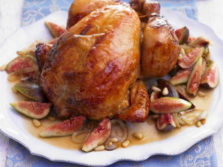 Gebackenes Hähnchen mit Pinienkernen und Feigen