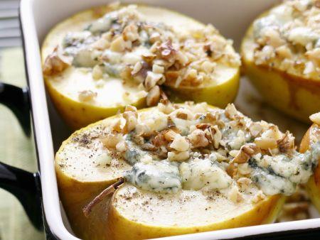 Gebratene Äpfel mit Blauschimmelkäse und Walnüssen