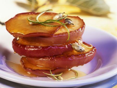 Gebratene Apfelringe mit Honig