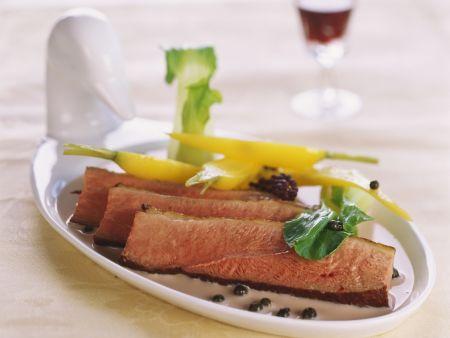 Gebratene Entenbrust auf Portwein-Soße mit Pfeffer