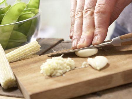 Gebratene Nudeln: Zubereitungsschritt 2