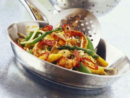 Gebratene Scampi mit Gemüse dazu Nudeln