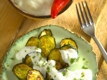 Gebratene Zucchini mit Joghurtdip