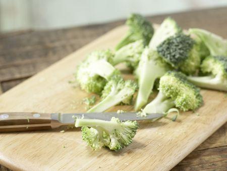 Gebratener Brokkoli: Zubereitungsschritt 1