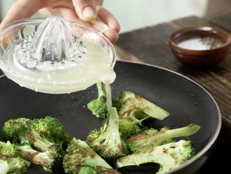 Gebratener Brokkoli: Zubereitungsschritt 5