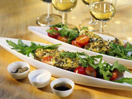 Gebratener Schafskäse auf Salat