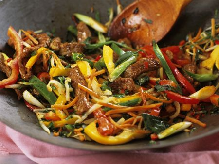 Rezept: Gebratenes Rind mit Gemüse