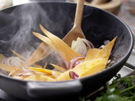 Gebratenes Sauerkraut: Zubereitungsschritt 5