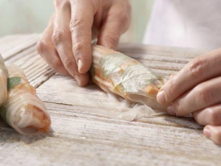 Gefüllte Reispapier-Röllchen: Zubereitungsschritt 7