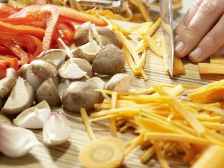Gedämpfte Garnelen-Teigtaschen: Zubereitungsschritt 4