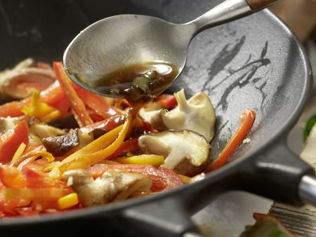 Gedämpfte Garnelen-Teigtaschen: Zubereitungsschritt 8