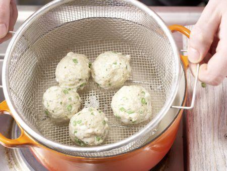 Gedämpfte Thai-Fischbällchen: Zubereitungsschritt 10