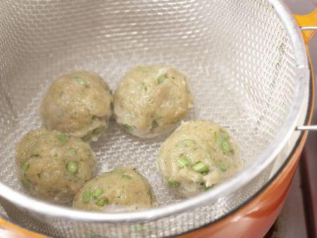 Gedämpfte Thai-Fischbällchen: Zubereitungsschritt 7