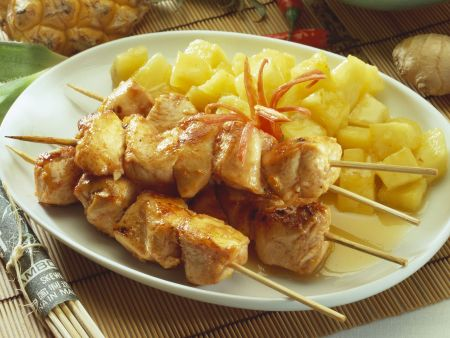 Geflügelspieß mit scharfer Ananassoße