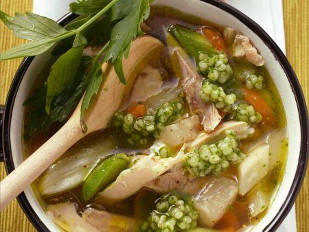 Geflügelsuppe mit Graupen und Gemüse