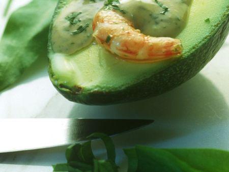 Gefüllte Avocado mit Bärlauch