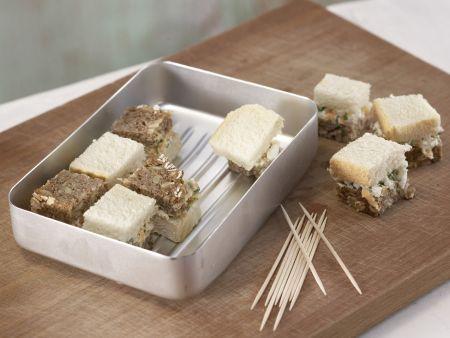Schwarz-Weiß-Brote mit Frischkäse: Zubereitungsschritt 6