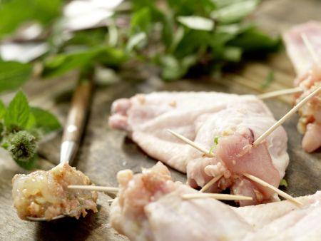 Gefüllte Hähnchenflügel: Zubereitungsschritt 5