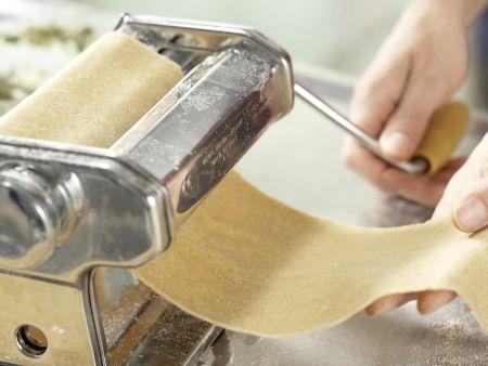 Gefüllte Riesen-Ravioli: Zubereitungsschritt 3