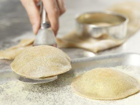 Gefüllte Riesen-Ravioli: Zubereitungsschritt 8