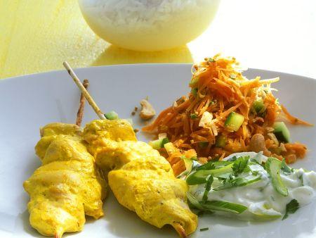 Gegrillte Hähnchenbrustfilets mit Karottensalat und Dip