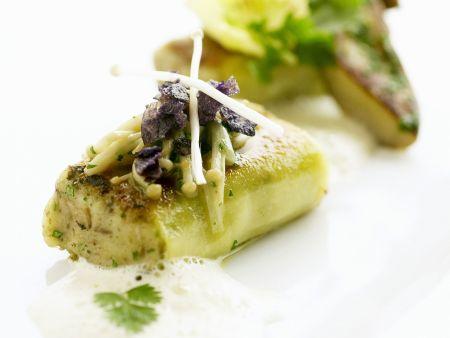 Gegrillte Kerbel-Kartoffeltaschen mit Pilzen