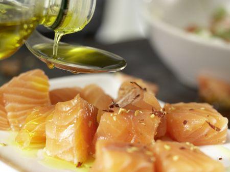 Gegrillte Lachsspieße: Zubereitungsschritt 10