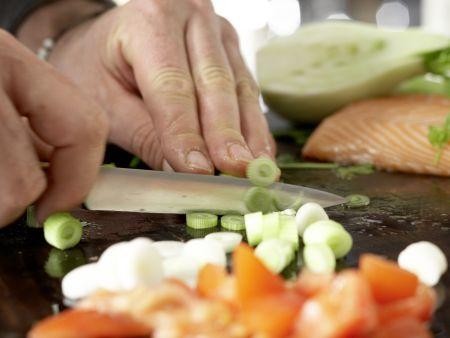 Gegrillte Lachsspieße: Zubereitungsschritt 3