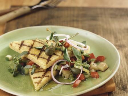 Gegrillte Polentaschnitten mit sommerlichem Gemüse