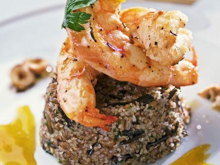 Gegrillte Shrimps mit Dreikorncouscous und Orangensoße