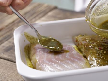 Gegrillter Curry-Seelachs: Zubereitungsschritt 5