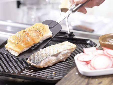 Gegrillter Lachs auf Salat: Zubereitungsschritt 6